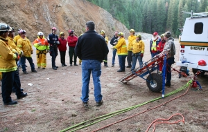 Plumas SAR and County agencies at rope rescue training